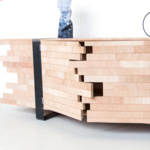 Cartoni design Recovery kast. gemaakt van resthout van een deurenfabrikant